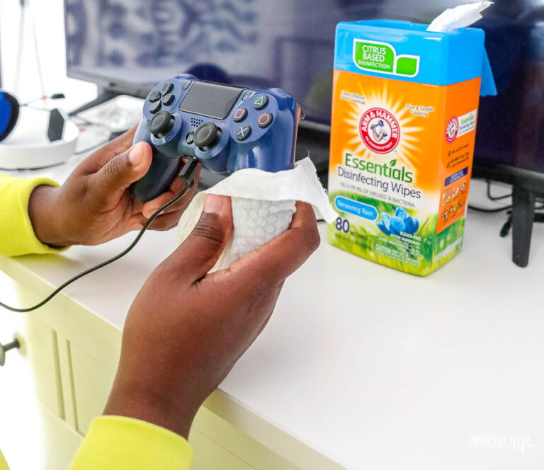 a worthey read arm & hammer wipes